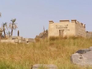 クヌム神殿