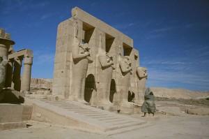 ラムセウム(ラムセス2世葬祭殿)